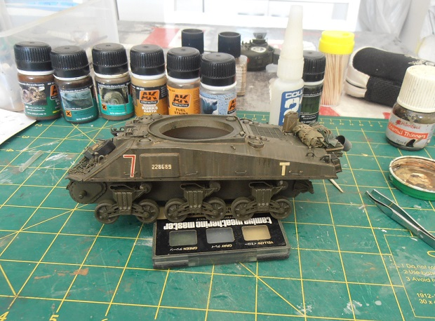 "Sherman Mk III mid prod "" Kiwi "" ( 1/35eme ) - Page 2 P9021418"