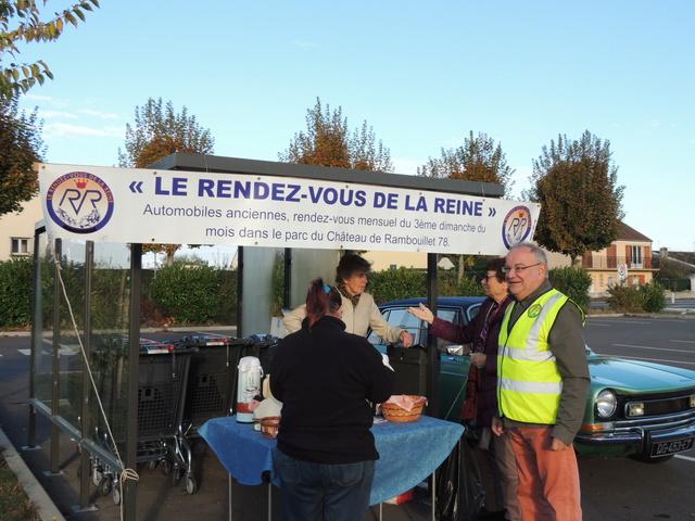 L'association LE RENDEZ-VOUS DE LA REINE - Page 2 Dscn8215