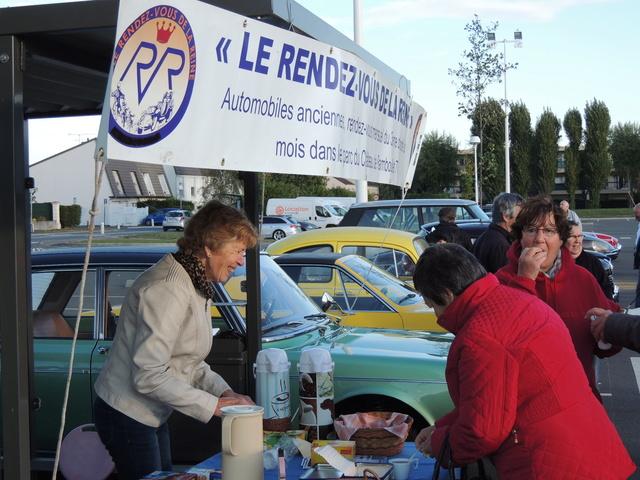 L'association LE RENDEZ-VOUS DE LA REINE - Page 2 Dscn8315
