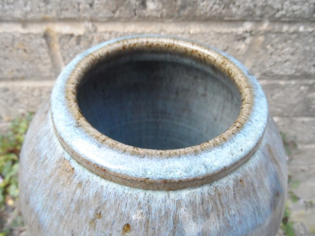 Stoneware vase I.D help - Kit Anderson? Sam_7410