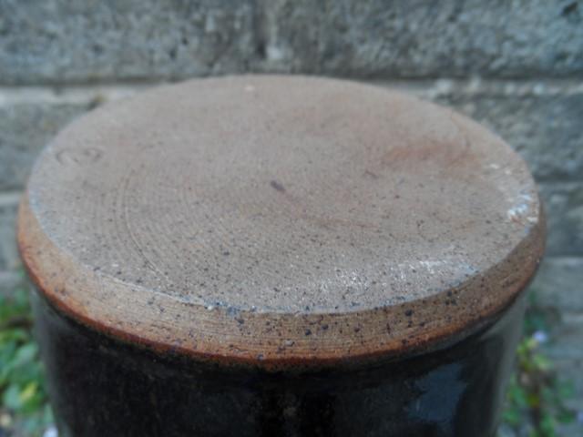 Stoneware vase I.D help - Kit Anderson? Sam_7514