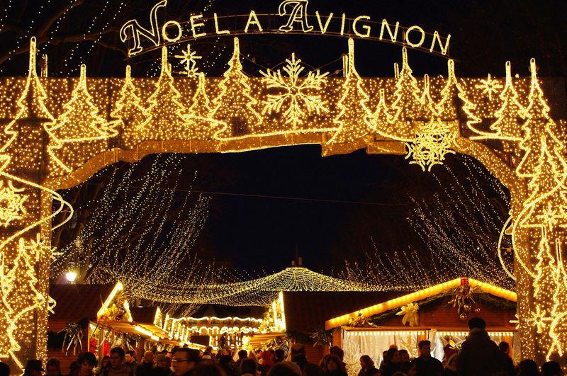 Les illuminations de Noël pour les fêtes 2.015   2.016 ! - Page 11 Proven11