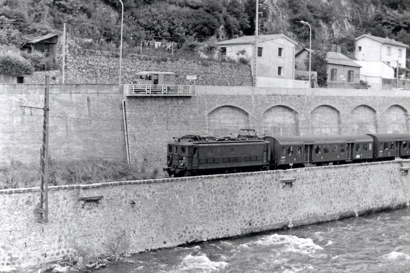 Pk 082,2 : Gare de Foix  (09) - La Saga Verte de Jean Louis Bb-30012