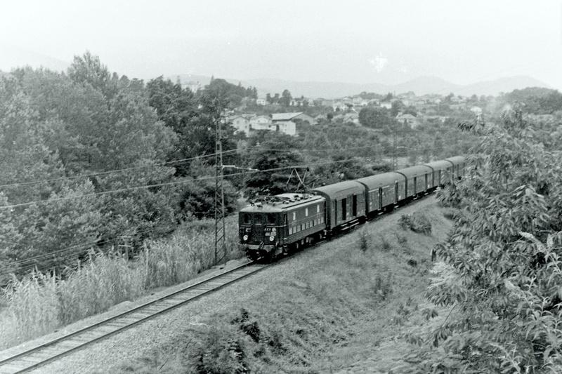 Pk 082,2 : Gare de Foix  (09) - La Saga Verte de Jean Louis - Page 4 Bb-30018