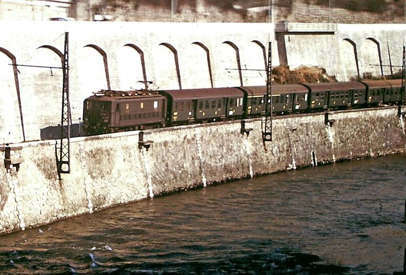 Pk 082,2 : Gare de Foix  (09) - La Saga Verte de Jean Louis - Page 5 Bb-30022