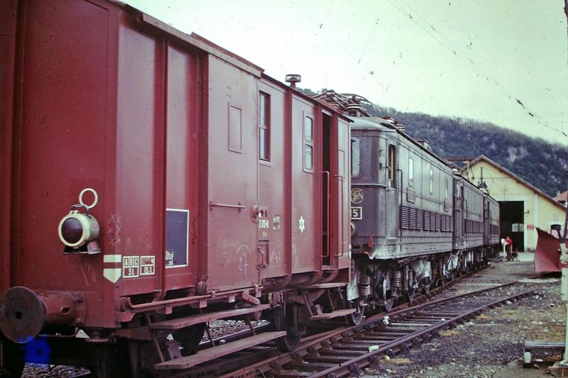 Pk 082,2 : Gare de Foix  (09) - La Saga Verte de Jean Louis - Page 5 Bb-30023