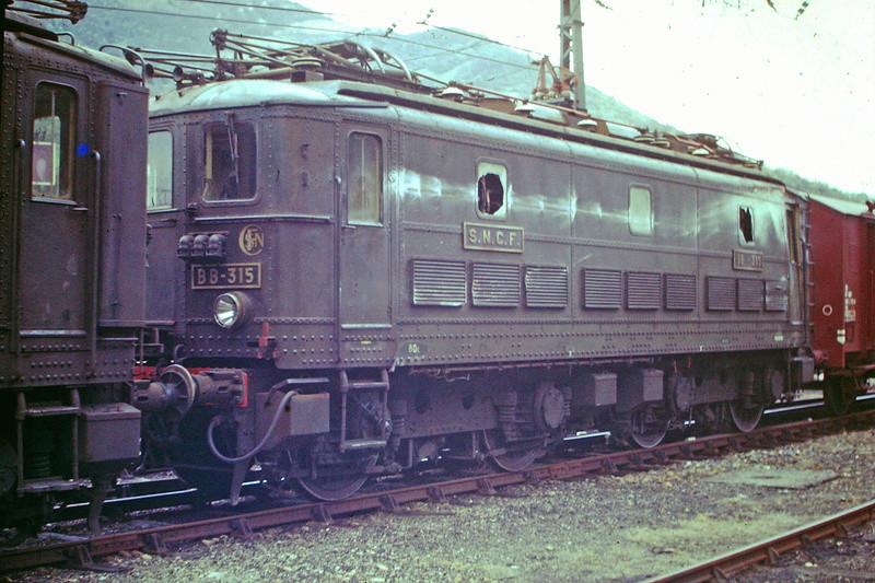 Pk 082,2 : Gare de Foix  (09) - La Saga Verte de Jean Louis - Page 5 Bb-30025