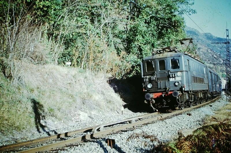 Pk 082,2 : Gare de Foix  (09) - La Saga Verte de Jean Louis - Page 5 Bb-30211