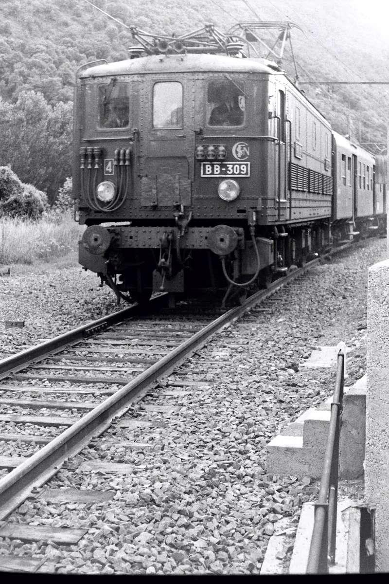Pk 082,2 : Gare de Foix  (09) - La Saga Verte de Jean Louis Bb-30910