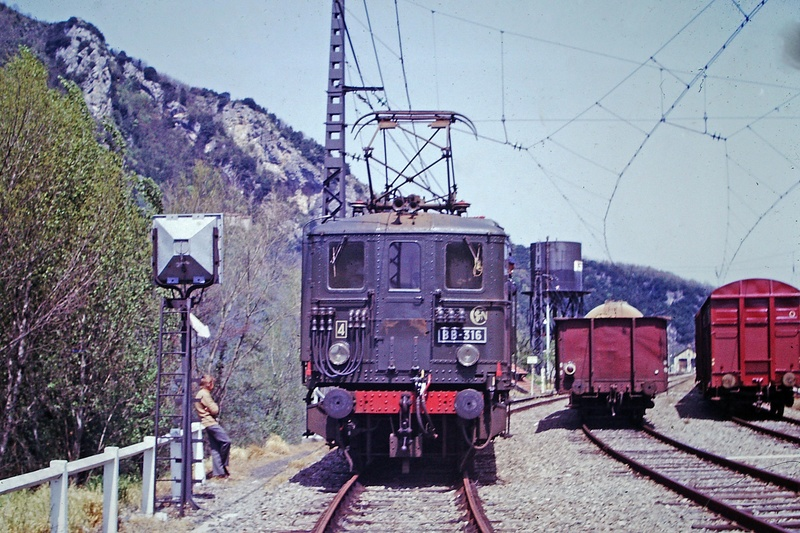 Pk 082,2 : Gare de Foix  (09) - La Saga Verte de Jean Louis - Page 4 Bb-31610