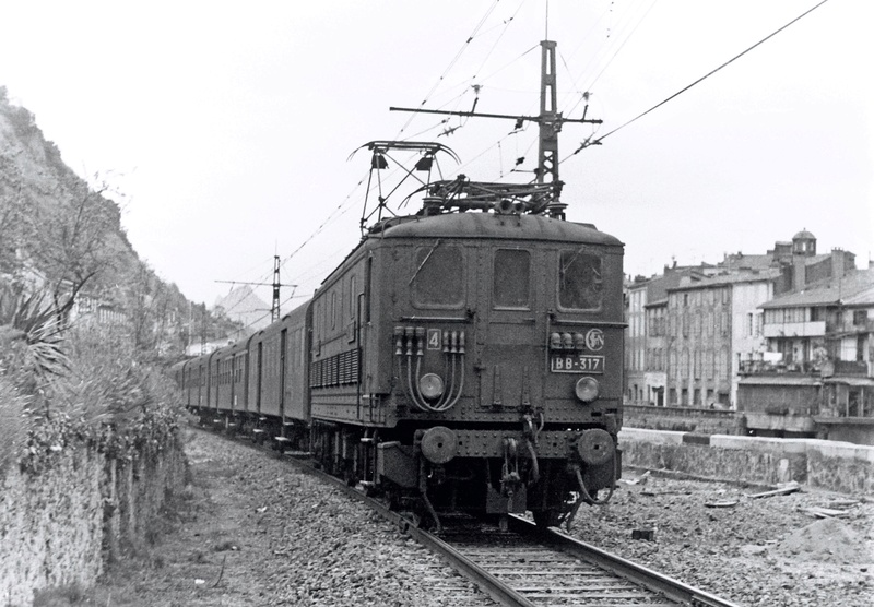 Pk 082,2 : Gare de Foix  (09) - La Saga Verte de Jean Louis Bb-31711