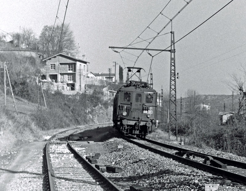 Pk 082,2 : Gare de Foix  (09) - La Saga Verte de Jean Louis Bb-32110