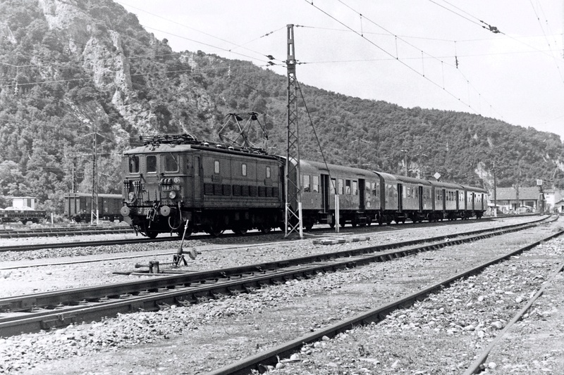 Pk 082,2 : Gare de Foix  (09) - La Saga Verte de Jean Louis Bb-32210