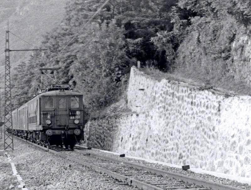 Pk 082,2 : Gare de Foix  (09) - La Saga Verte de Jean Louis Bb-32410