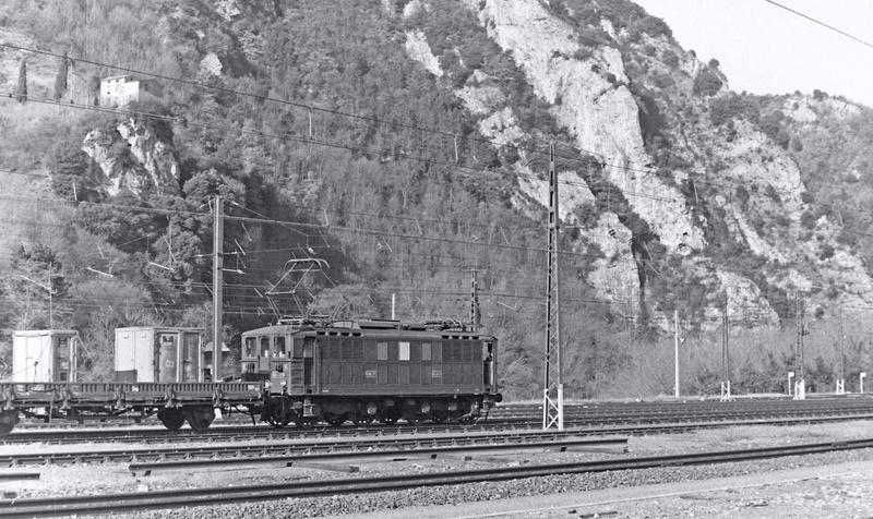 Pk 082,2 : Gare de Foix  (09) - La Saga Verte de Jean Louis - Page 2 Bb-41015
