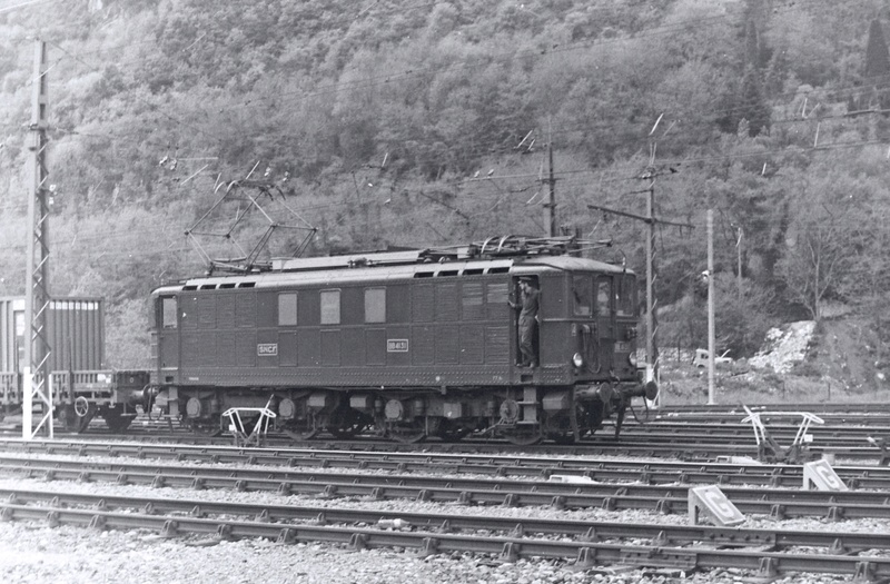 Pk 082,2 : Gare de Foix  (09) - La Saga Verte de Jean Louis - Page 3 Bb-41018