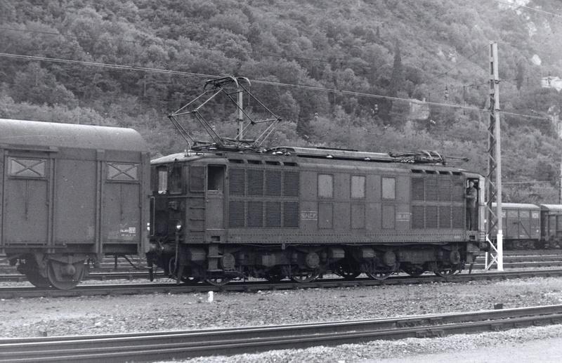 Pk 082,2 : Gare de Foix  (09) - La Saga Verte de Jean Louis - Page 2 Bb-41021