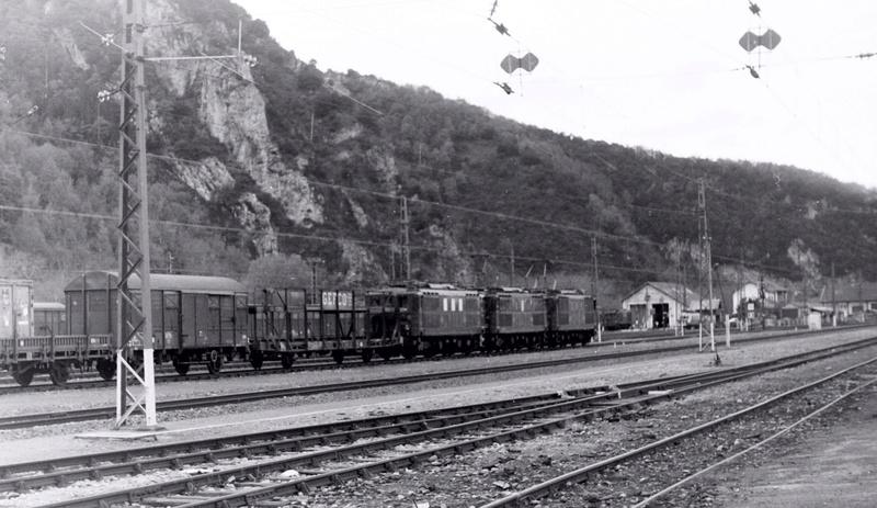 Pk 082,2 : Gare de Foix  (09) - La Saga Verte de Jean Louis - Page 2 Bb-41023