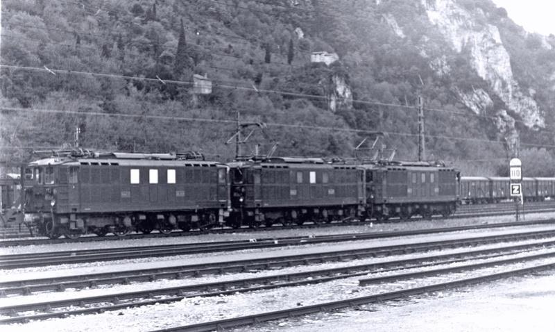 Pk 082,2 : Gare de Foix  (09) - La Saga Verte de Jean Louis - Page 2 Bb-41024
