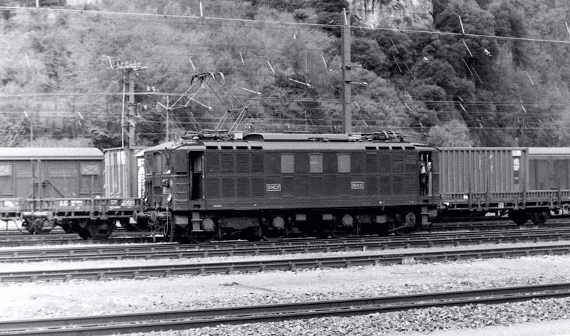 Pk 082,2 : Gare de Foix  (09) - La Saga Verte de Jean Louis - Page 3 Bb-41025