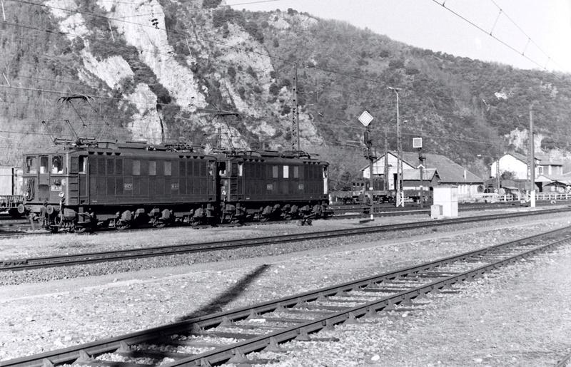 Pk 082,2 : Gare de Foix  (09) - La Saga Verte de Jean Louis - Page 3 Bb-41027