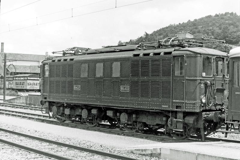 Pk 082,2 : Gare de Foix  (09) - La Saga Verte de Jean Louis - Page 3 Bb-41028