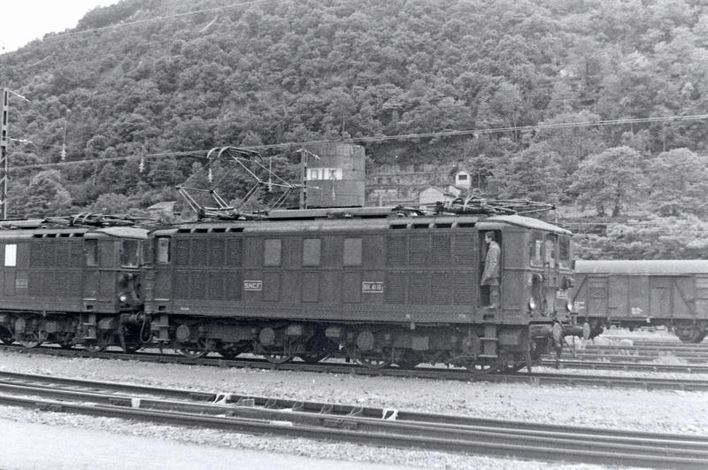 Pk 082,2 : Gare de Foix  (09) - La Saga Verte de Jean Louis - Page 2 Bb-41110