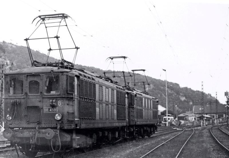 Pk 082,2 : Gare de Foix  (09) - La Saga Verte de Jean Louis - Page 6 Bb-46011