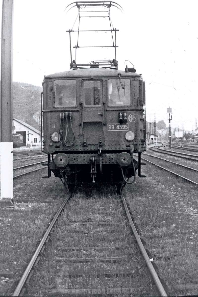 Pk 082,2 : Gare de Foix  (09) - La Saga Verte de Jean Louis - Page 4 Bb-46013