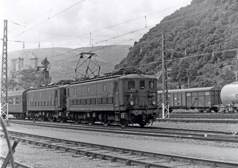 Pk 082,2 : Gare de Foix  (09) - La Saga Verte de Jean Louis Bb300-10