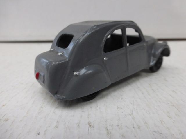Citroën 2 CV, collection inconnue P1090315