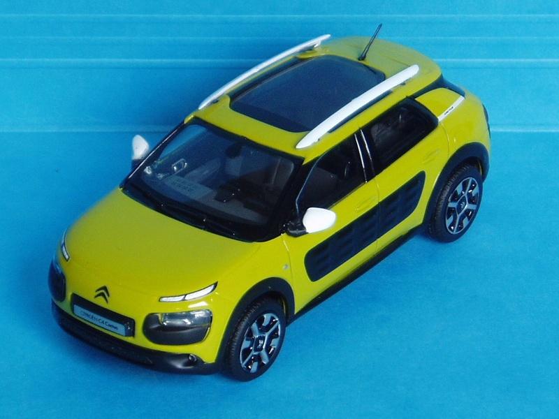 """""""Les Citroën C4 Cactus ne naissent pas dans les choux ni dans les roses.""""  2014_c10"""