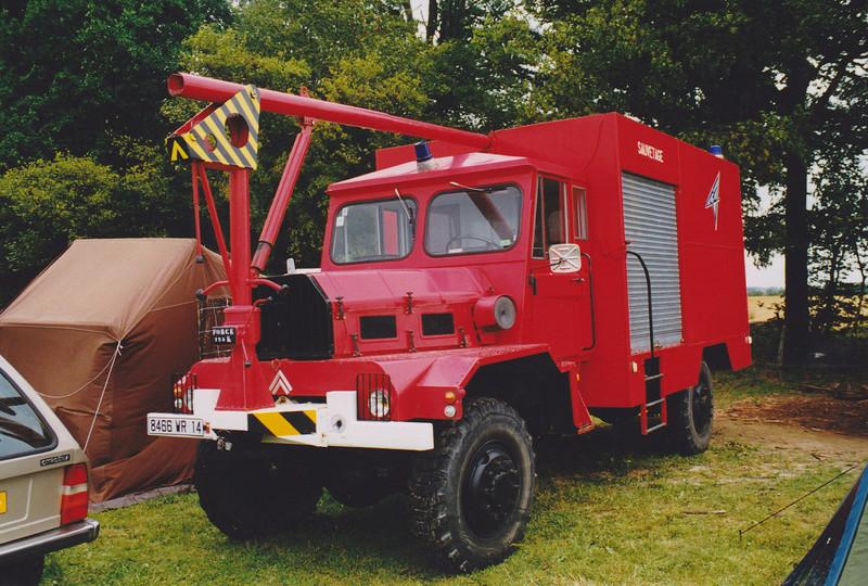 """2011 - Hachette Collections > """"Camions et véhicules de Sapeurs Pompiers au 1/43"""" >> 2014 - Page 2 Rlb_9810"""