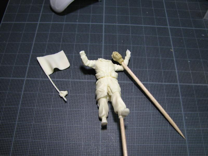 Coccinelle ambulance CMK  , figurines et photodécoupe  - 1/35 Img_5016