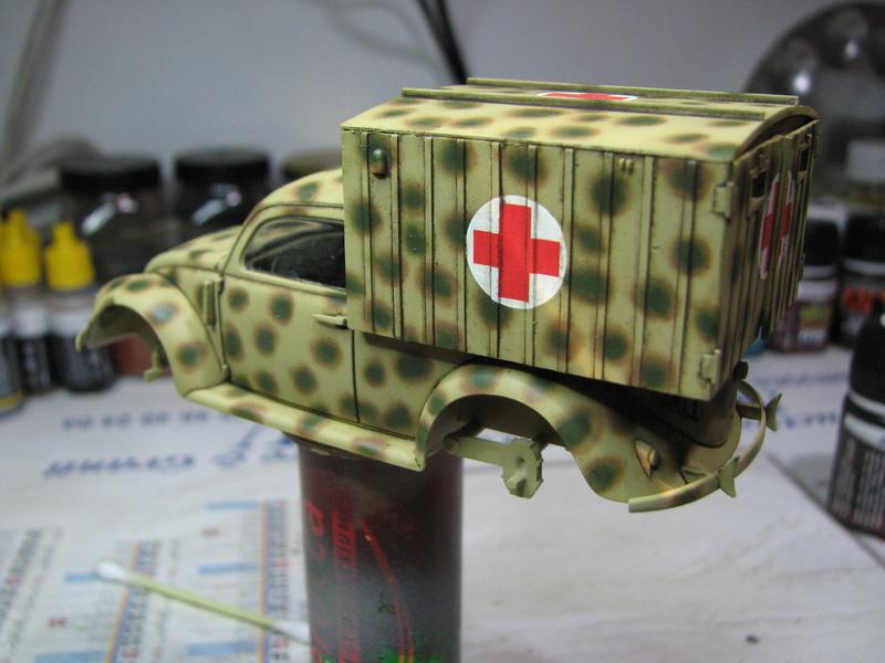 Coccinelle ambulance CMK  , figurines et photodécoupe  - 1/35 - Page 2 Img_5029