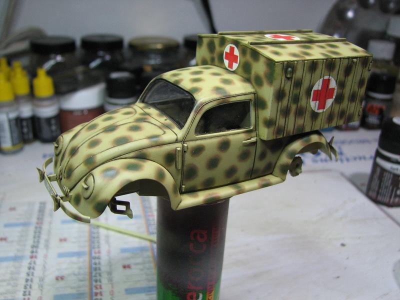 Coccinelle ambulance CMK  , figurines et photodécoupe  - 1/35 - Page 2 Img_5031