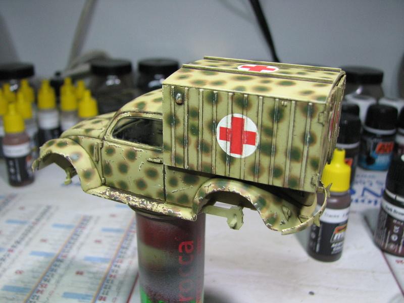 Coccinelle ambulance CMK  , figurines et photodécoupe  - 1/35 - Page 2 Img_5034