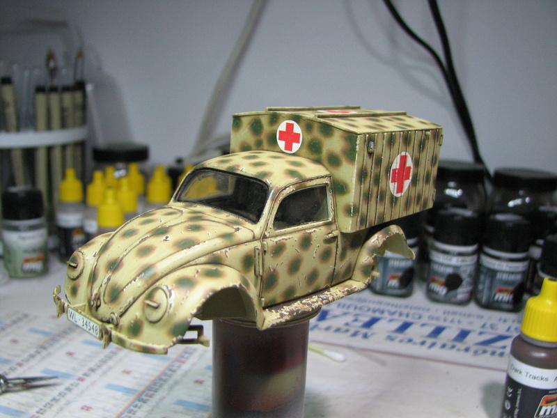 Coccinelle ambulance CMK  , figurines et photodécoupe  - 1/35 - Page 2 Img_5037