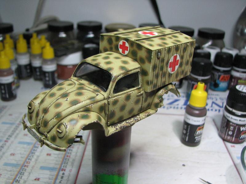 Coccinelle ambulance CMK  , figurines et photodécoupe  - 1/35 - Page 2 Img_5038