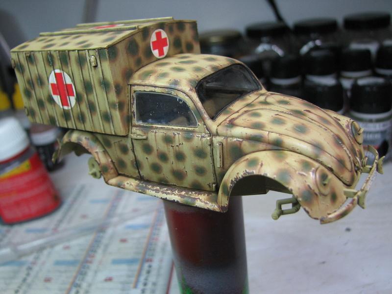 Coccinelle ambulance CMK  , figurines et photodécoupe  - 1/35 - Page 2 Img_5043