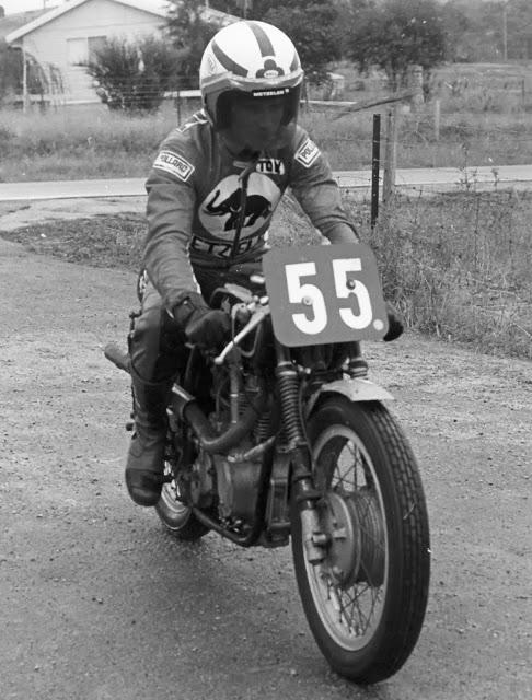 [oldies]  ]  Thruxton 1964-1976 - Page 4 Tony_h11