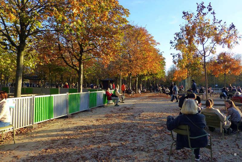 Choses vues dans le jardin du Luxembourg, à Paris - Page 5 Dernie10