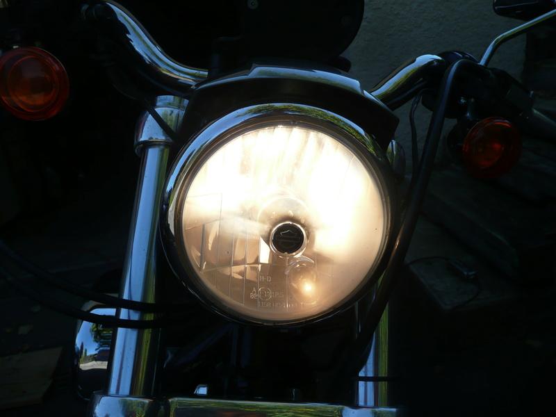 Problème de phare et de batterie sur mon 883 P1140510
