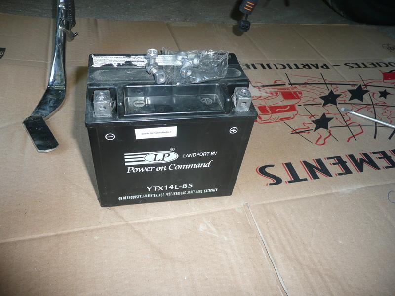 Problème de phare et de batterie sur mon 883 P1140611
