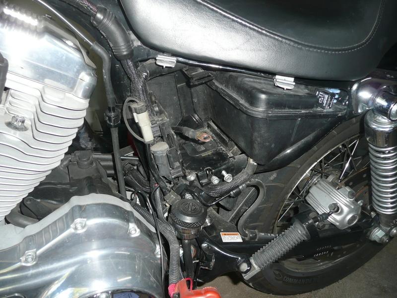 Problème de phare et de batterie sur mon 883 P1140612