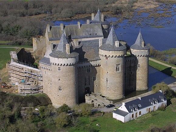 Les châteaux. - Page 2 99846010