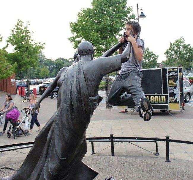 Des statues amusantes ! - Page 4 Epic-s12