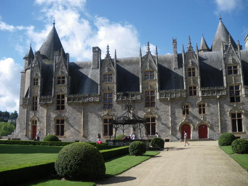 Les châteaux. Fac4e210