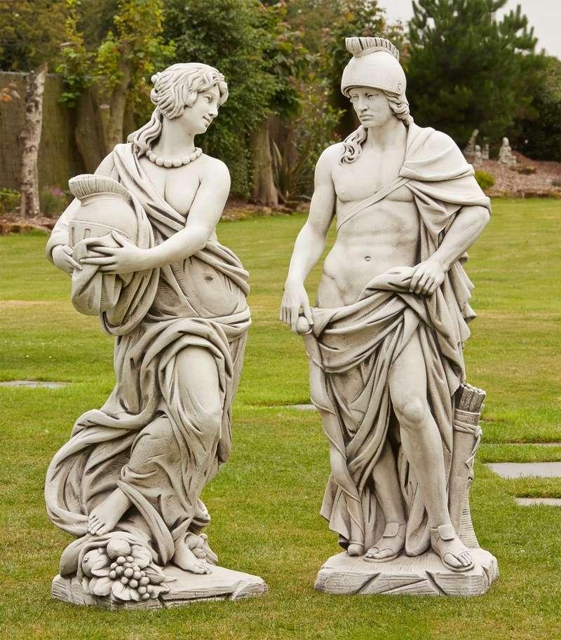 Des statues amusantes ! - Page 5 Large-13