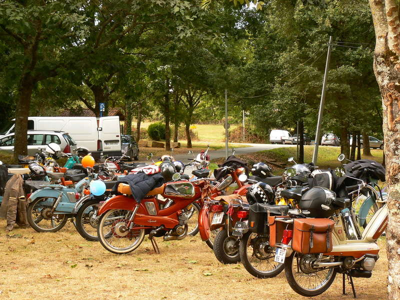 Balade en Mobylette à Aubigny 18 septembre 2016 - Page 2 P1240122
